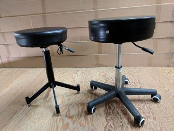 Picture of Chair - Posing Stool - Rolling