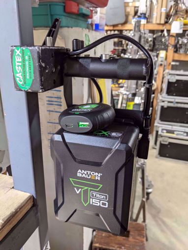 Picture of Digital - TetherTools Versa V - Mount + Laptop Connector  + Battery